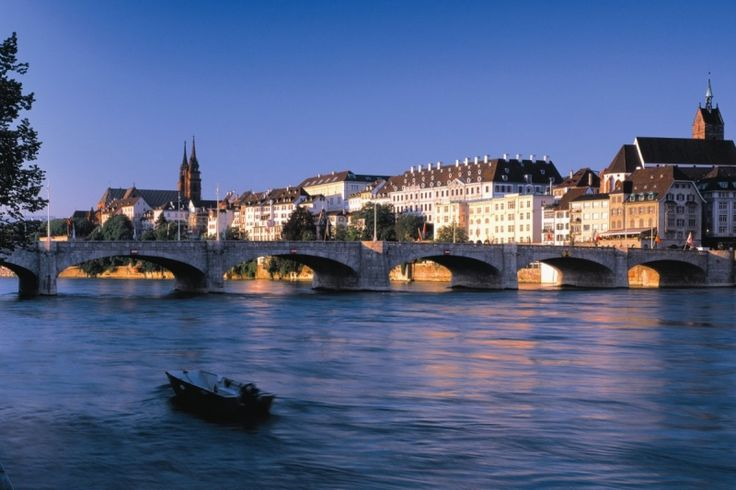 İsviçre Basel'de Bomba Paniği