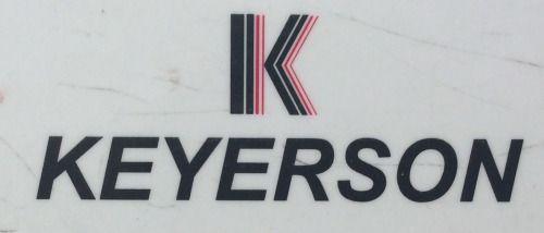 Logo de una empresa farmacéutica en una regla.  Logo of a pharmaceutical company on a ruler