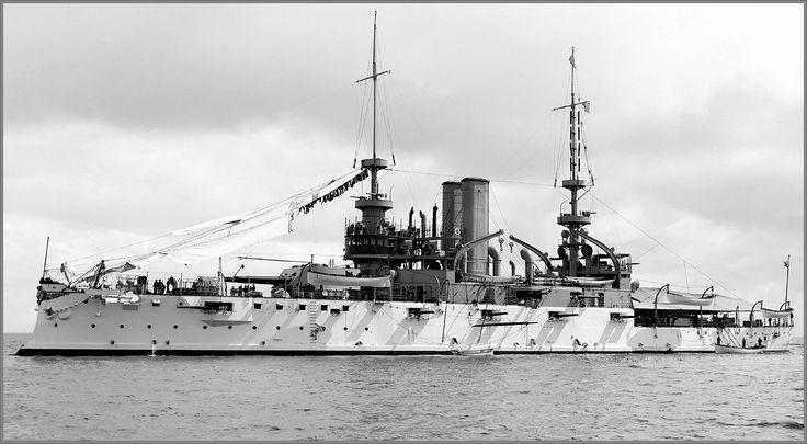 Vintage photographs of battleships, battlecruisers and cruisers.: Laundry day on predreadnought battleship USS Alabama, circa 1900.