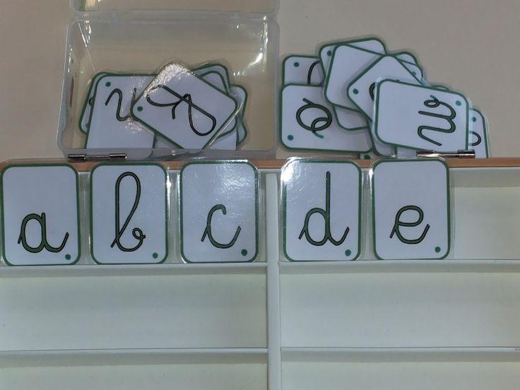 Voici 3 alphabets magnétiques -majuscule, script et cursif- à fabriquer soi-même. (A imprimer sur du bristol, découper, plastifier et aimanter.) Je vous conseille de rajouter un petit point en bas à droite sur chaque lettre avant de plastifier. Cela permet … Continuer la lecture →