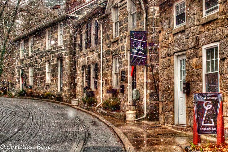 Historic Ellicott City MD. A must see in Maryland----  this I hope to visit next week when I am in Baltimore with Family... just love Ellicott City and Cocoa Lane !  mmmm   crab dip