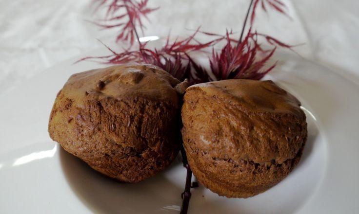 Un #dolce davvero speciale: i #muffin con #farina senza glutine al #cioccolato amaro e #marmellata di albicocche!!! yummy;)