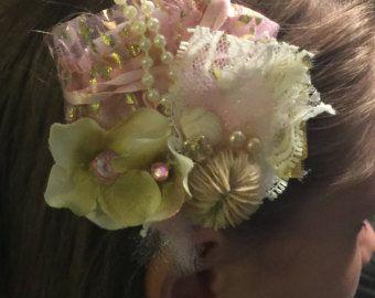 Artículos similares a Peine del pelo de la sirena - erizo de mar, conchas y filigrana vintage en Etsy