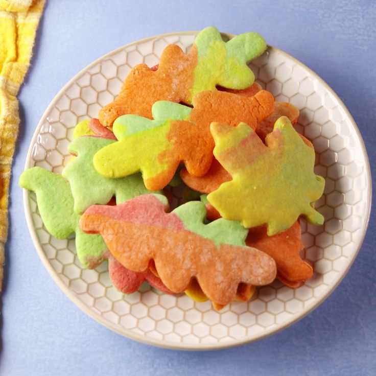 Cookies that embrace the beauty of fall. #easyrecipe #recipe #food #pastryporn #kids #familydinner #halloween #halloweenparty #halloweenpartyfood #instagood
