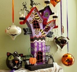 halloween: Vintage Halloween, Halloween Haunted House, Halloween Decoration, Halloween Trees, Christmas Ornaments, Nightmare Before Christmas, Halloween Ornaments, Halloween House Ornaments, Teas Lighting