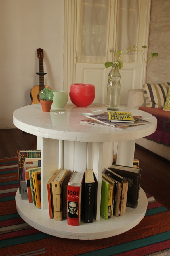 Mesa ratona/biblioteca blanca