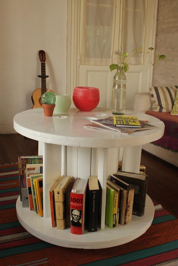 Mesa ratona biblioteca blanca decoraci n para el hogar for Mesa ratona