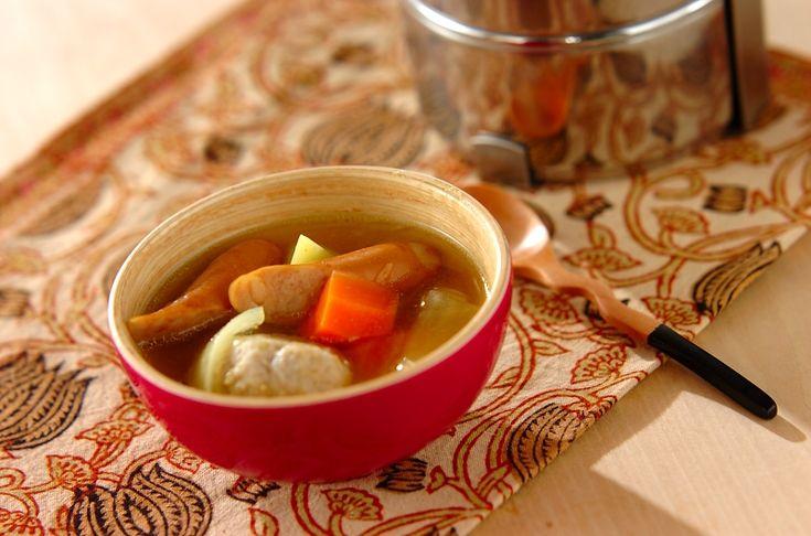 鶏肉やソーセージ、お野菜のうまみたっぷり!カレー風味でお子様も喜びます。鶏団子のカレーポトフ/松本 知恵のレシピ。[洋食/シチュー・スープ]2015.12.30公開のレシピです。