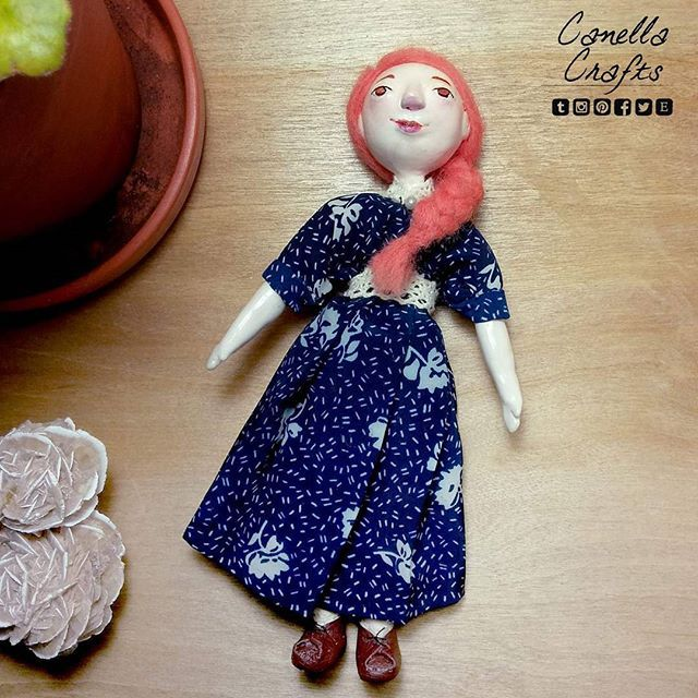 Needle felted body + clay for flexibility and cuteness :3 etsy.com/ca/shop/canellacrafts  #needlefelting #needlefelted #poseable #doll #dollmaking #handmade #crafts #claydoll #claydoll lay #toy #art #arttoy #canellacrafts #bluedress #dress #patterndress #vintagedress #orangehair #braid #lace #leatherboots #boots