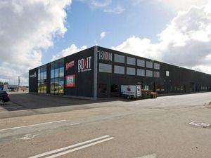 Lager/produktionslokale til leje på Frederikshavnsvej 116, 9800 Hjørring