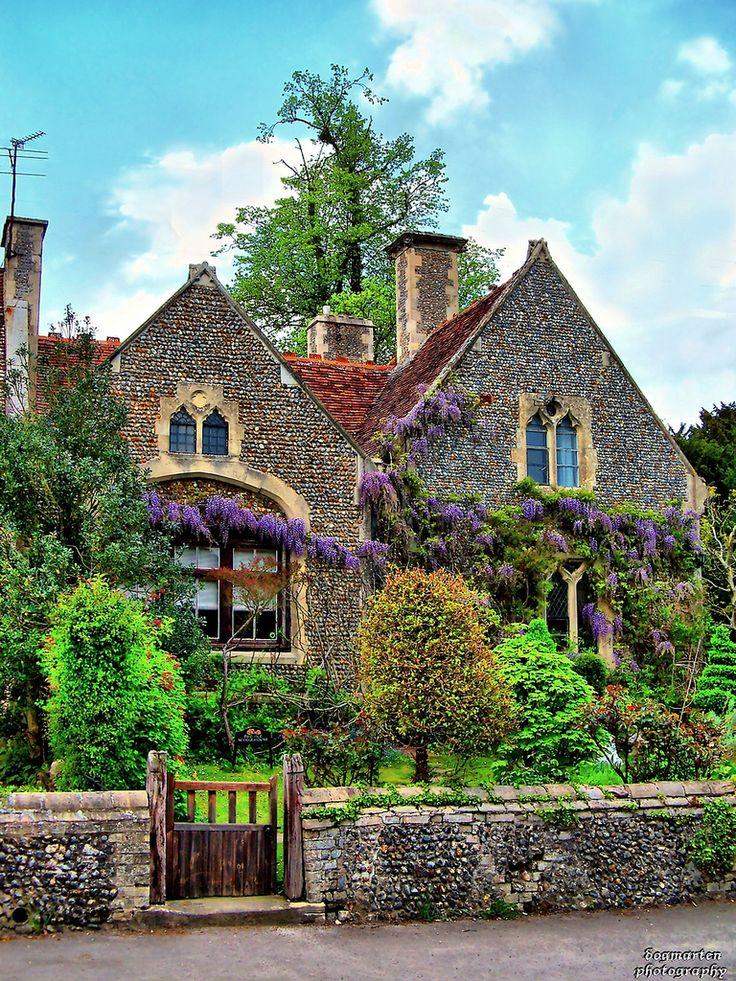 Cottage: Exterior | via Pinterest Pin                                                                                                                                                                                 More