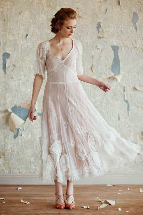 What hairstyle for which wedding dress?