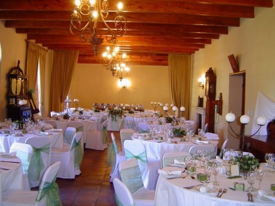 Klein Bottelary - If you are looking for the original wine farm wedding and / or function with elegance – Klein Bottelary is just the place!