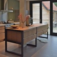 Keuken van staal en eiken | VIVA VIDA