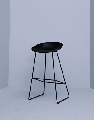 about a stool aas 38 bar stool h 65 cm steel sled base black by hay design furniture and decoration with made in design - Einfache Dekoration Und Mobel Interview Mit David Geckeler