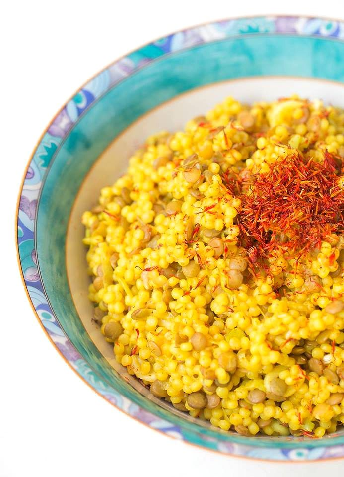 Warmer Couscous Curry Salat mit Linsen - Healthy On Green