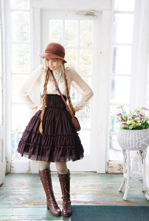 fairy_emily daily_lolita: Hello lady Autumn  Skirt: Dear Celine  Boots: Bodyline [(THOSE BOOTS ARE BODYLINE?!)]