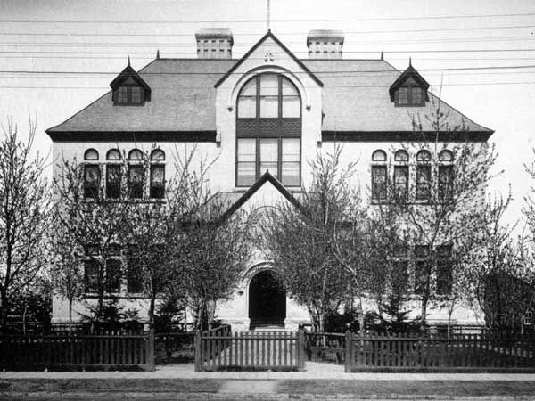 Fort Rouge School No. 1 (1900) Too bad it still doesn't look like this.  River and Main.