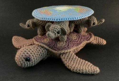 Behold the awesome!  The Discworld!  In Crochet!  You could snuggle the Great A'tuin!  (If you don't know what I'm talking about, start reading Terry Pratchett.  NOW!)Terry Pratchett, Pattern, Elephant, The Universe, Crochet Hooks, Book, Discworld, Geek Crafts, Amigurumi