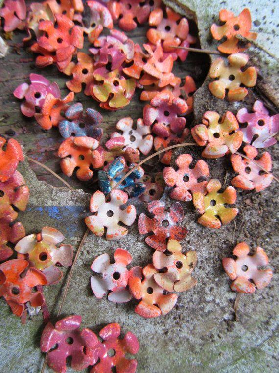 40 kleurrijke Vintage prachtige metalen bloemen door WhoKnowsWhat