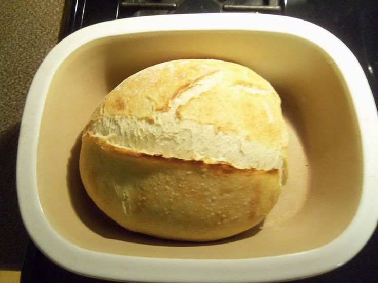 This is a fantastic bread recipe and very easy. Prepare the dough in the evening and let it rise overnight. Need it and let it rest ...