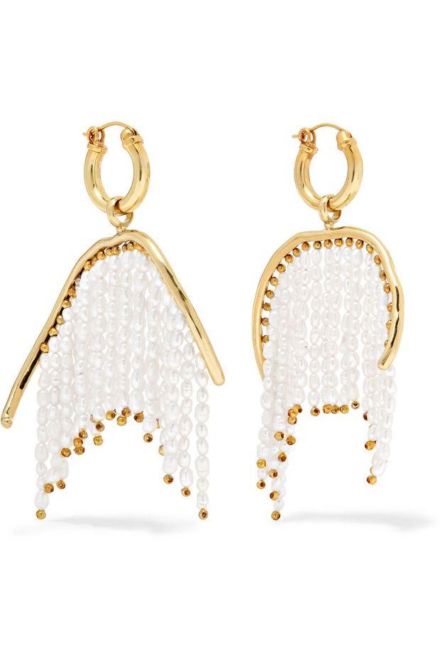 848097c3c2bf Pendientes bañados en oro con flecos de perlas