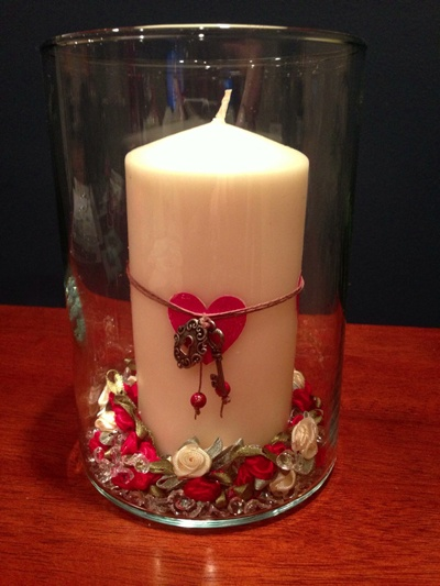 Valentine dining table centerpiece embossed candle and for Candle dining room centerpieces