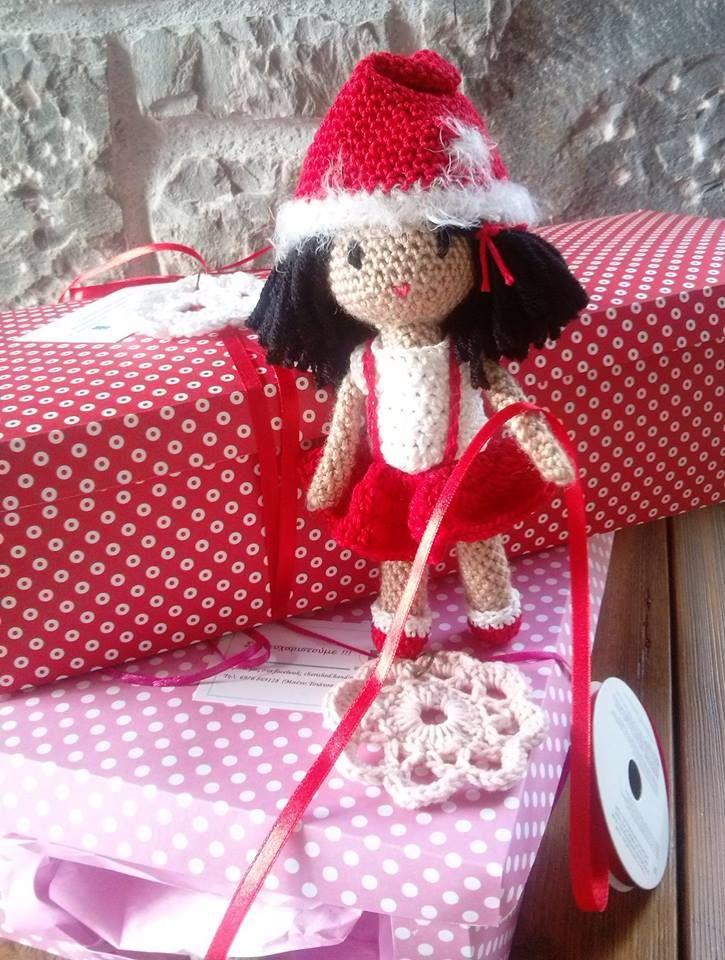 crochet doll - Santa's little helper :)