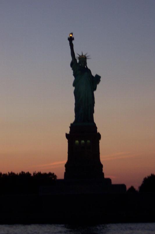 statue of liberty night - photo #27