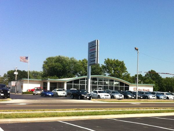 56 best website clients featured commercial real estate for Deal motors clinton hwy