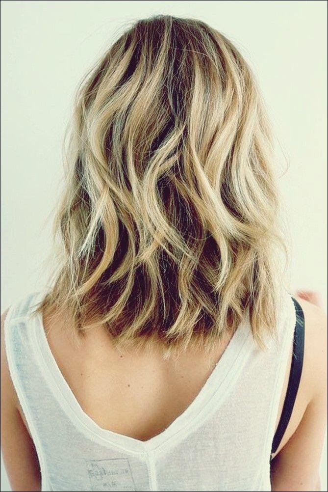 25 Am Heissesten Aussehende Mittlere Wellige Frisuren Fur Frauen Frisur Ideen Wellen Haare Frisur Frisur Dicke Haare Naturlich Gewelltes Haar