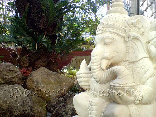 坪庭 石像 ガネーシャ
