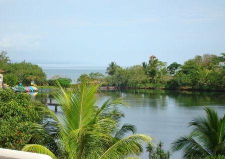 Champerico   Puerto Barrios View destination