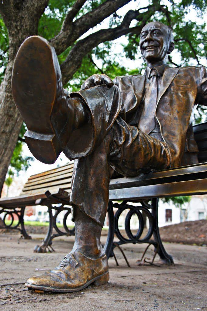 Estatua de Alberto Olmedo, Rosario, Argentina