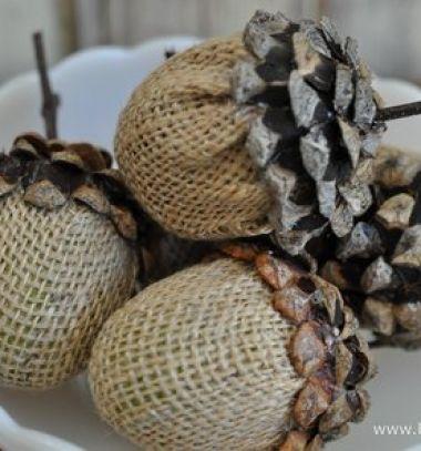 Plastic easter egg acorns with burlap and pinecones // Makkok műanyag tojásokból tobozzal és zsákvászonnal // Mindy - craft tutorial collection //