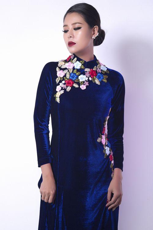 Thứ ba, 28/2/2017 11:16 GMT+7 Nữ diễn viên khoe vẻ đẹp sắc sảo, quý phái với những thiết kế cách điệu.            Nam Thư với lợi thế gương mặt khả ái, vóc dáng chuẩn như người mẫu nên rất tự tin làm mẫu ảnh.              'Kiều nữ làng hài' thể...  http://cogiao.us/2017/02/27/kieu-nu-lang-hai-nam-thu-lang-xe-ao-dai-nhung/