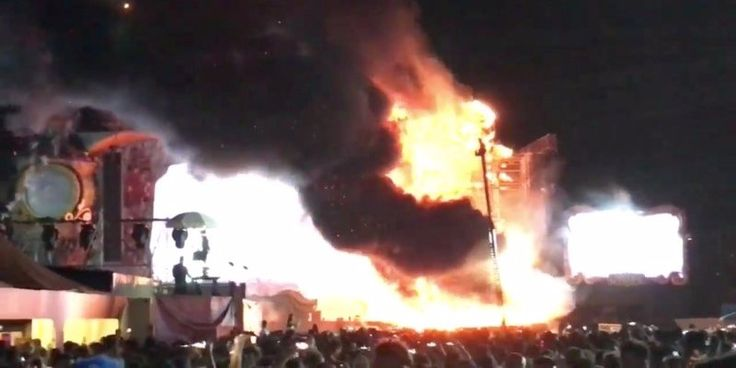 22000 people had to be evacuated from a Barcelona music festival after a massive stage fire