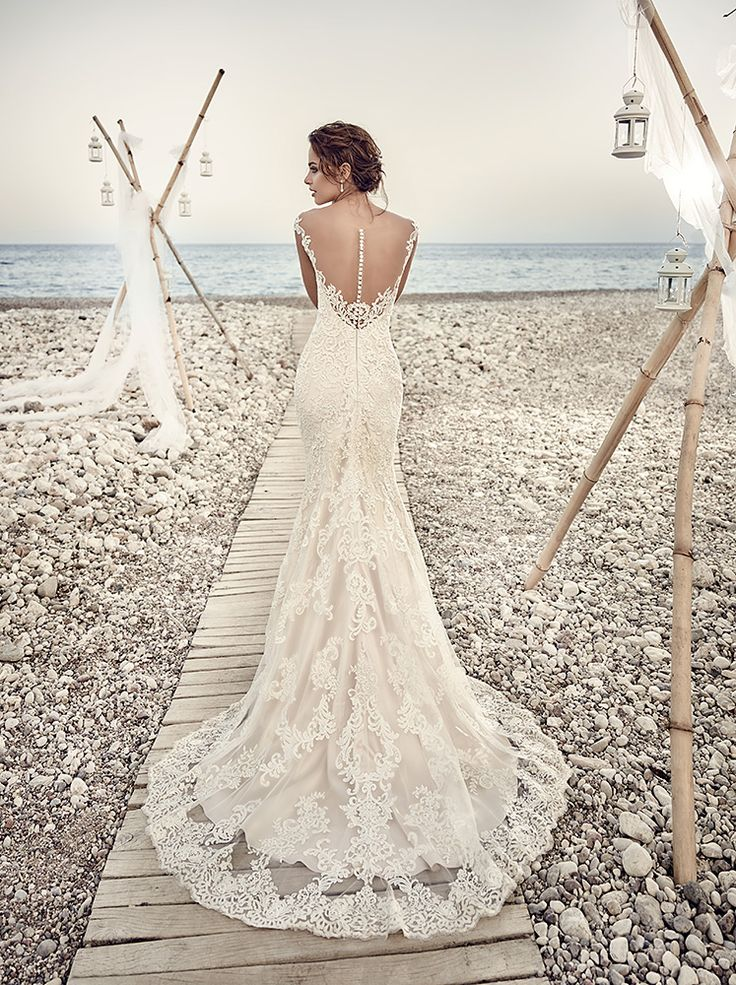 What a great back! EddyK designs can be found at Lili Bridals Tarzana, CA.