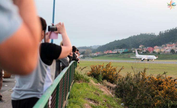 Expectación en Aeropuerto de Alvedro ante la salida del AIR EUROPA