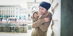 Contenido 2. Qué es compasión y como tenerla.1. Auto-Sabotage2. Ejercicios para practicar autocompasión3. Retos de la Autocompasión4. ¿Cómo tener compasión contigo?5. Conclusiones 2. Qué es compasión y como tenerla. ¿Qué es compasión? La compasión es la respuesta al sufrimiento de otras personas que nos motiva a querer ayudarles a detener el sufrimiento. La compasión nos …