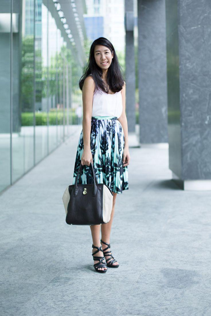 SHENTONISTA: The Eye Must Travel. Charmaine, Marketing, Skirt from Lefties, Heels from Zara. #shentonista #theuniform #singapore #fashion #streetystyle #style #ootd #sgootd #ootdsg #wiwt #popular #people #female #womenswear #zara #lefties #furla