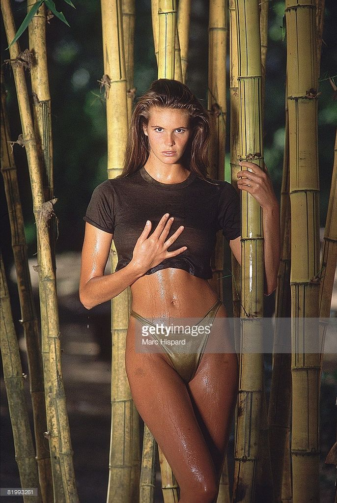 News Photo : Model Elle Macpherson poses for the 1988 Sports...