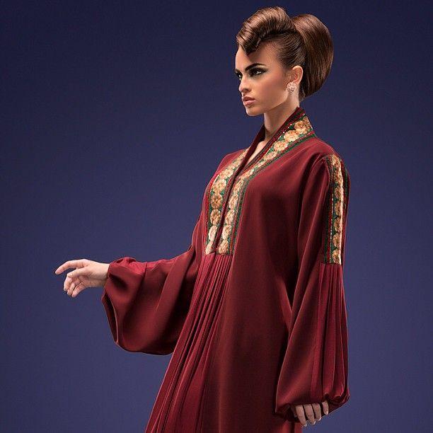 -- Abaya design: @jonquildesigner- For contact: 966549946946 #abaya #caftan #kaftan #bisht #islamicdress #arab For more abaya & caftan inspiration please visit my page: www.pinterest.com/santanadxb/abayas-bishts-kaftans-jalabiyas/