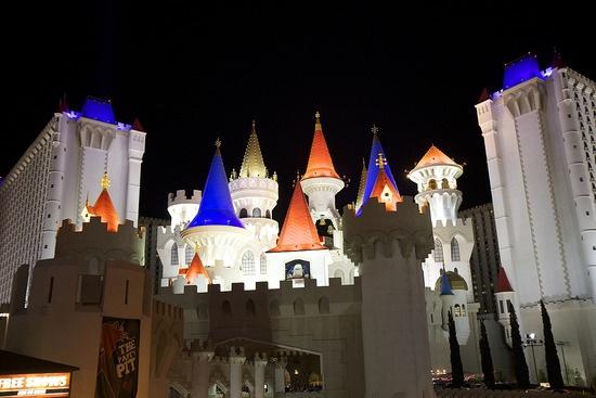 Excalibur Hotel Casino, Las Vegas, United States of America having low rates for rooms in Las Vegas Excalibur Hotel Casino with hotel reviews and photo's