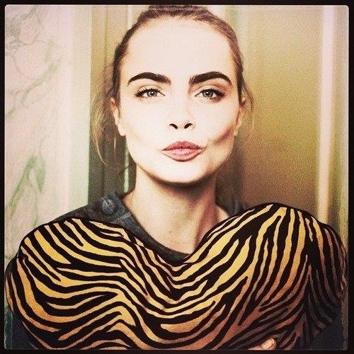 cara delevinge gimme her brows