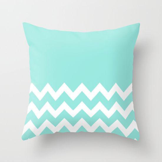 1000 ideas about tiffany blue rooms on pinterest tiffany blue bedroom blue room decor and. Black Bedroom Furniture Sets. Home Design Ideas