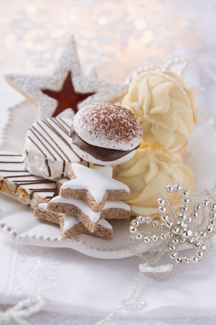 Per condividerli con amici e famiglia o come ghiotta idea regala, prepara i biscotti di Natale seguendo le ricette di Sale&Pepe.