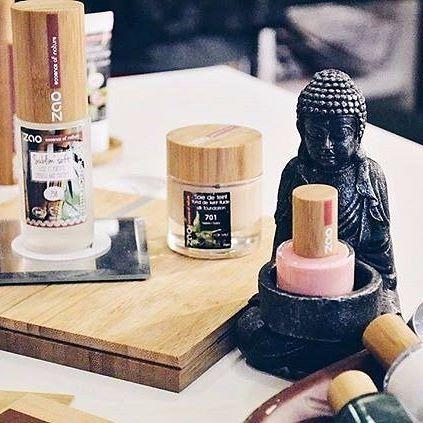 Tamamen organik olan Zao Organic Makeup ürünleri yenileyici, nemlendirici ve koruyucu özelliğe sahiptir. Paraben , petrokimyasal madde, gluten içermez. Sağlıklı ve doğal bir makyaj için Zao :) Bambudan gelen güzellik ve doğallık.. Detaylı bilgi ve satın almak için www.zaoorganicshop.com adresine uğrayabilir veya mesaj atarak iletişime geçebilirsiniz :) Photo ~ @zao_organic_makeup