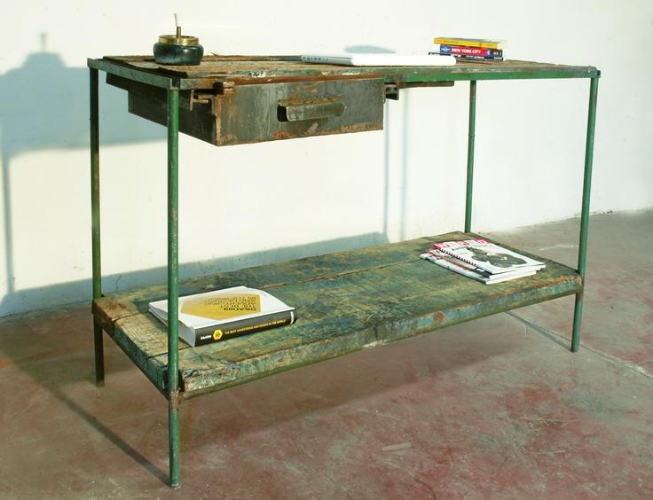 Scrivania in ferro e legno mobili industriali - Mobili in ferro vintage ...