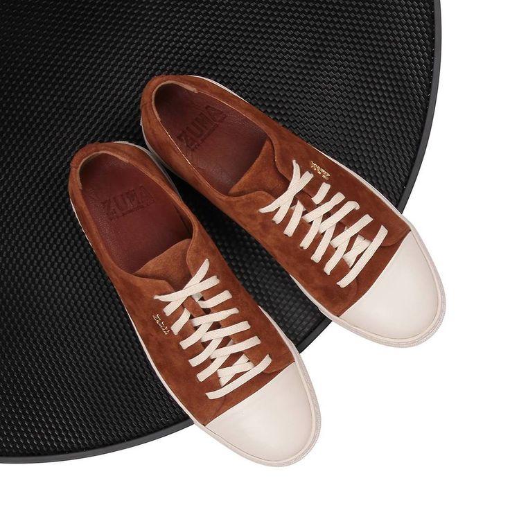 Yeni Model! 2016 Bahar/Yaz sezonu koleksiyonumuza yepyeni bir model daha eklendi! Zuma 125 Taba Suet, Burunlu Sneakers hakkında detaylı bilgi ve sipariş için profildeki linke tıkla.➡️ @zumashoes ----------------------------- ✔Whatsapp Sipariş : 0537 923 00 00 ----------------------------- 🌐www.zumashoes.com ----------------------------- #zumashoes #sneakers #ayakkabi #trend #moda #style #turkey #turkiye